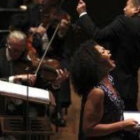 Lezioni progressive individuali e d'insieme. Tecnica vocale, arte scenica, teoria, lettura dello spartito, tante prove, e la Tua esibizione in pubblico con una grande orchestra.
