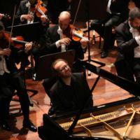 Masterclass di Pianoforte e Orchestra con il grande pianista Roberto Prosseda. Prove con Orchestra. Contest. Borsa di studio. Concerto con Orchestra Sinfonica. Per studenti under 26.